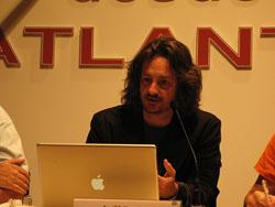Smith en la charla-coloquio