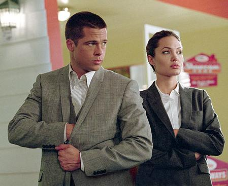 Brad Pitt como John Smith y Angelina Jolie como Jane smith en Sr y Sra Smith