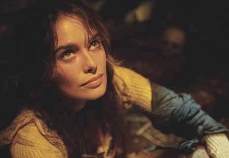 Lena Headey es la bella Angelika