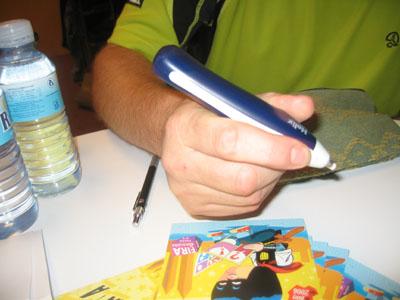 El arma secreta de Mike McKone. ¡¡Un borrador mecanico!!.