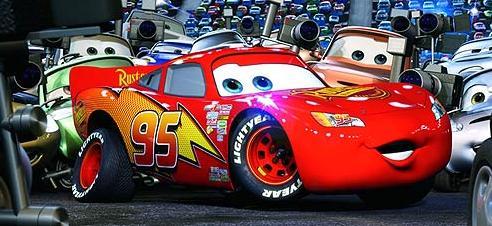 El presuntuoso Rayo McQueen morderá el polvo.