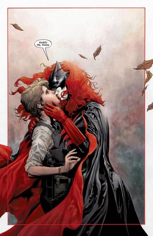 batwoman_17_kate_kane_maggie_sawyer_matrimonio_weeding