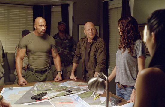 Bruce Willis y Dwayne Johnson se suman al bando de los Joes