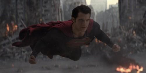 El hombre de Acero_Cavill_Superman volando