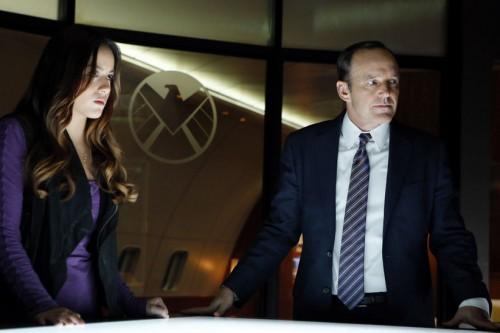 Agents_of_SHIELD_Coulson_mesa