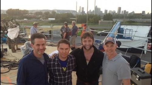 Bryan Singer con Hugh Jackman, Simon Kinberg y Hutch Parker
