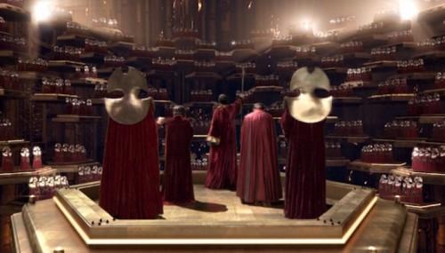 Rassilon animando al Alto Consejo de los Señores del Tiempo