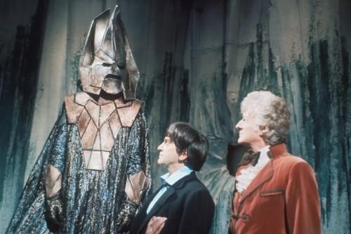 El segundo y tercer Doctor ante Omega