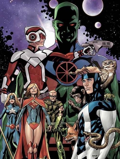 Portada de Justice League United, por Mike McKone