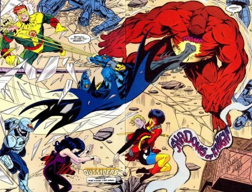 Batman volvería para ¿colaborar? con el grupo. Lápices de Paul Pelletier