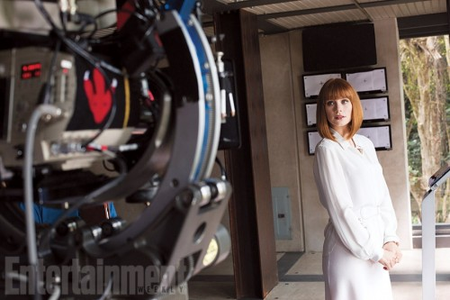Bryce Dallas Howard en el set de Jurassic World