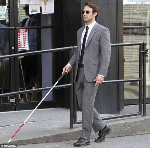 Charlie Cox caracterizado como Matt Murdock