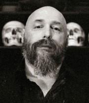 Warren Ellis escritor del proyecto