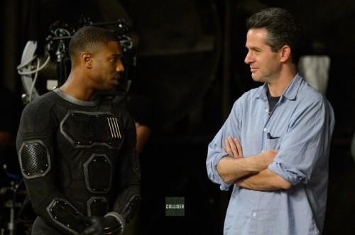 Michael B. Jordan con el uniforme de La Antorcha Humana durante el rodaje