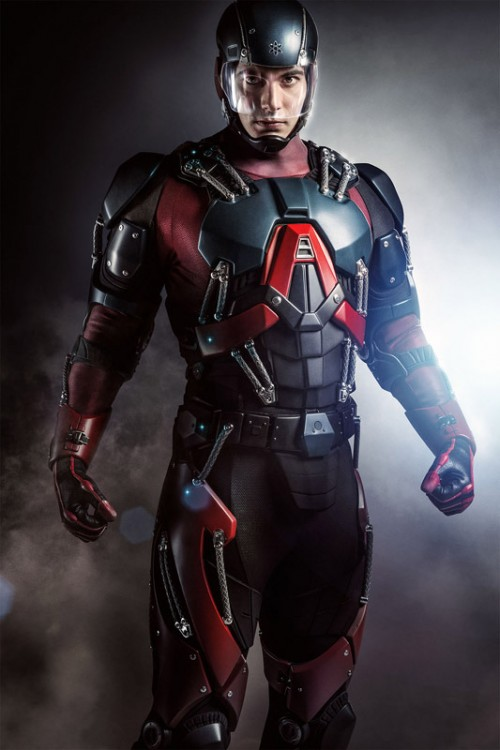 Brandon Routh con el uniforme de Atom