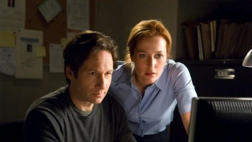 Fox Mulder y Dana Scully siguen queriendo creer