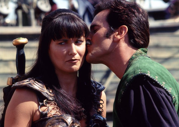 bruce-campbell_lucy_lawless_ash_evil