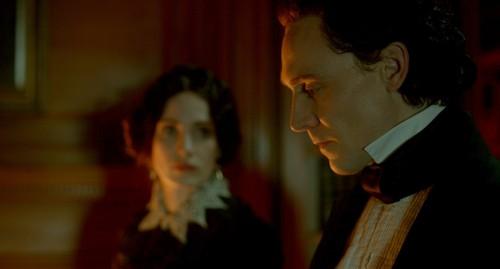 Tom Hiddleston y Jessica Chastain en una escena de la película