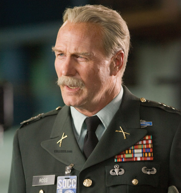 ficha-thadeus-ross-william-hurt
