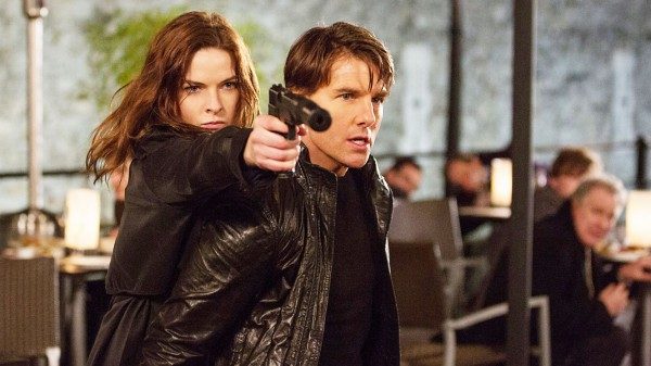 Rebecca Ferguson y Tom Cruise, codo con codo