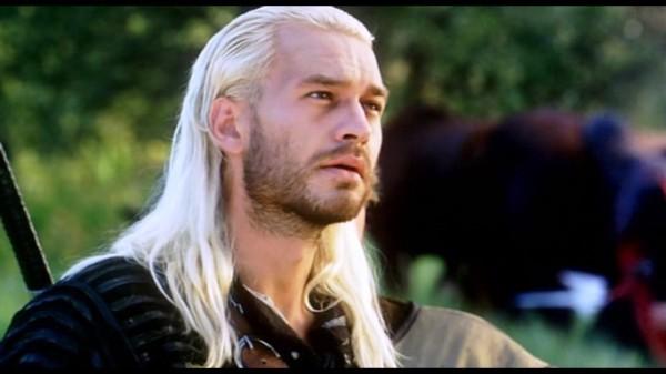Michał Żebrowski dando vida a Geralt de Rivia en The Hexer