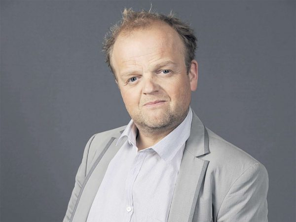 Toby Jones se incorpora a Sherlock