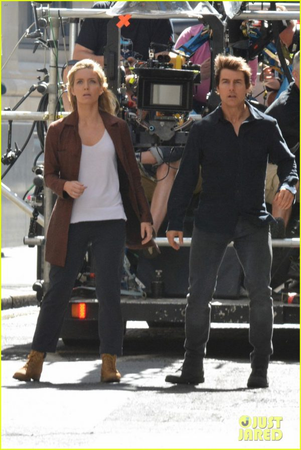 Tom Cruise y Annabelle Wallis rodando The Mummy