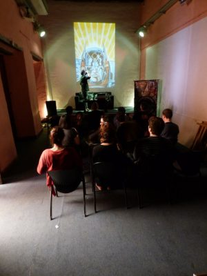 David Rubín ofreciendo su taller (Foto: Docta Cómics)