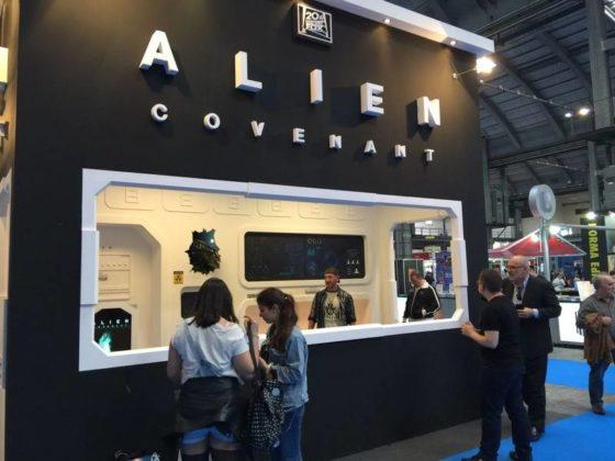 alien_simios_salon_2