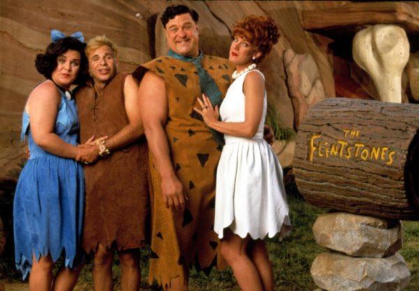 John Goodman (Pedro), Elizabeth Perkins (Vilma), Rick Moranis (Pablo) y Rosie O'Donnell (Betty) en Los Picapiedra (1994)
